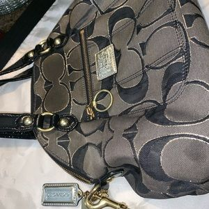 Coach crossbody bag ! used but in good condition
